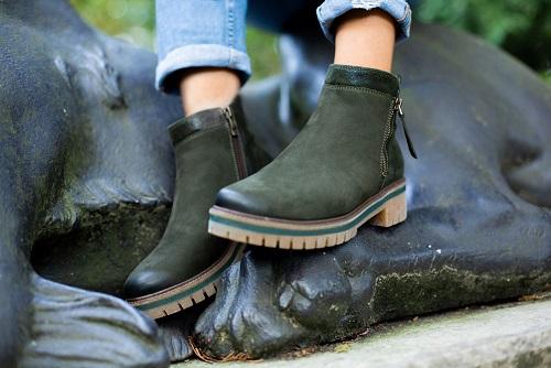 Sobald die Tage wieder kürzer und kälter werden, haben Stiefel und  Stiefeletten Hochsaison. Diese tollen Schuhe sind wahre Alleskönner. 61088fb823